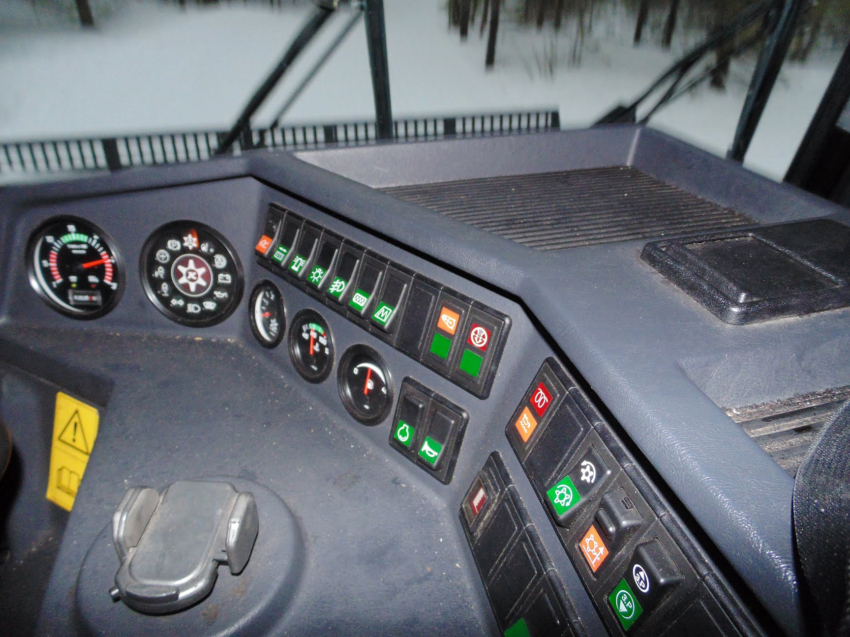 PistenBully Dashboard